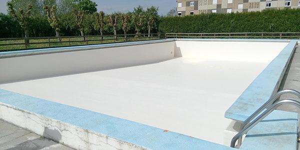 Stratification polyester de la piscine municipale d'Entrains-sur-Nohain